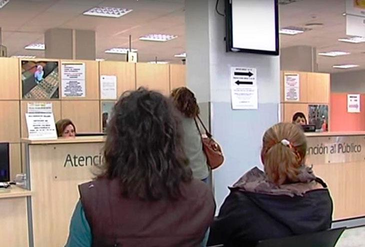 El paro baja en c diz en m s de personas en abril for Oficina de empleo cadiz