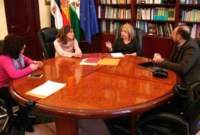 Mámen Sánchez durante la reunión.